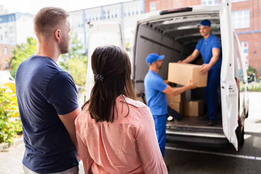 Removalist in Liverpool helping a couple on their move